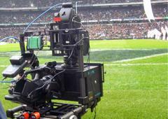 """Захисник """"Галатасарая"""" познущався з тележурналіста на газоні футбольного поля"""